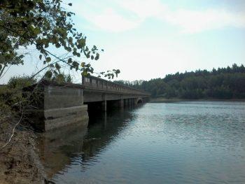 mrackova-simonova_most u obce hulice_2015