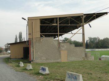 rekonstrukce zazemi fotbalove tribuny olomouc repcin petra gajdova barbora simonova 0 puvodni stav (2)