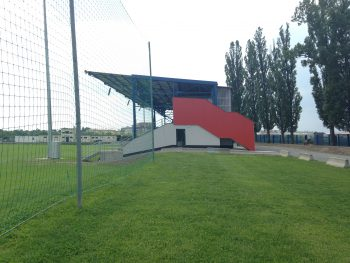 rekonstrukce zazemi fotbalove tribuny olomouc repcin petra gajdova barbora simonova pohled z prijezdove cesty