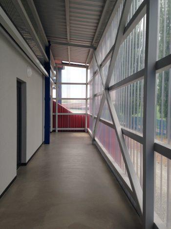 rekonstrukce zazemi fotbalove tribuny olomouc repcin petra gajdova barbora simonova vlnity polykarbonat