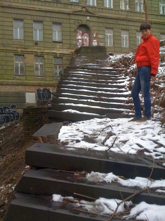 Obnova schodiště z ulice Husitská u domu Řehořova č. p. 37